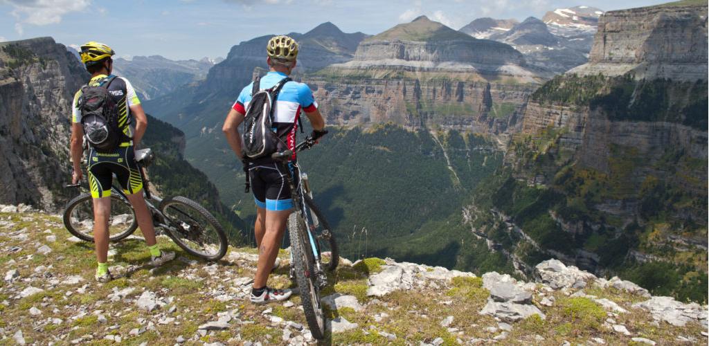 Disfruta de las mejores rutas en bici con Eizasa Hoteles